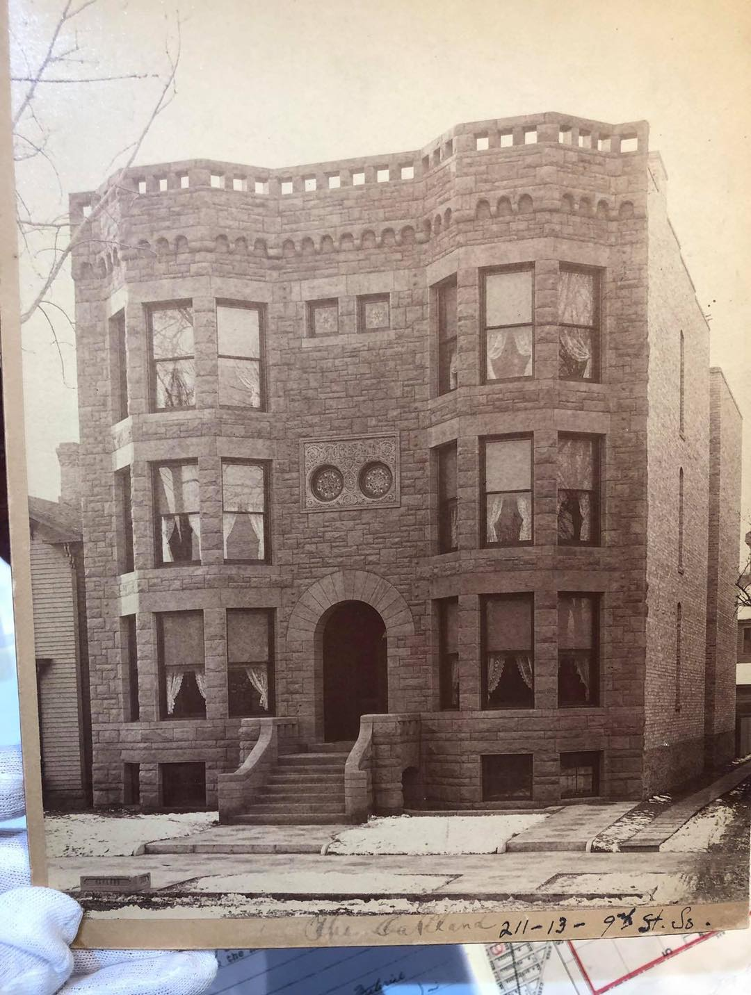My favorite picture of the Oaklands! Notice the carriage step out front on the s